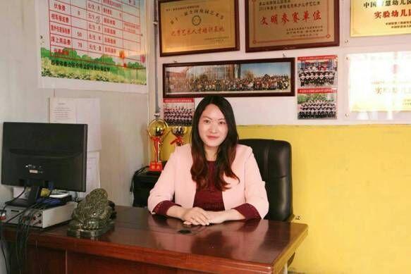 专访泰山鸿翔幼儿园长李洪香:爱心办园育花红(图文)
